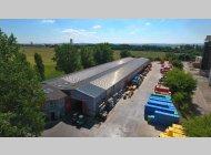 Pronájem haly 2300 m2 s prodejnou a venkovní zpevněnou plochou